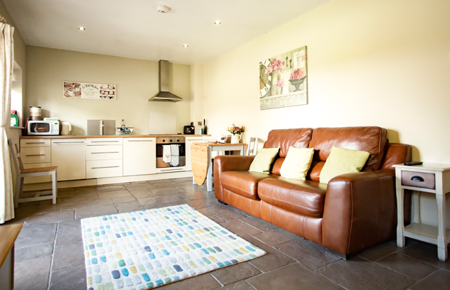 self-catering accommodtion near Bristol Airport